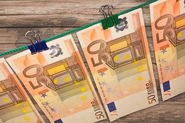 Geld auf einer Wäscheleine