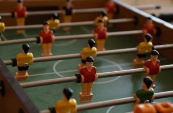 foosball-table-189846_640